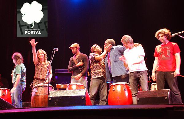 Raices, tambores homenajeando a Beto Satragni (foto de canelonesciudad.com)