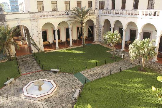 Gardens of hotel Nacional, Havana