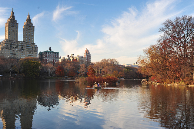 new-york-fall-lake-central-park